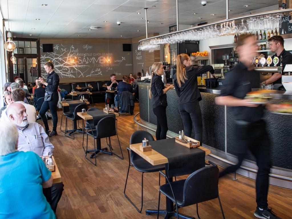 Café Faust ved åen i Aarhus_-11