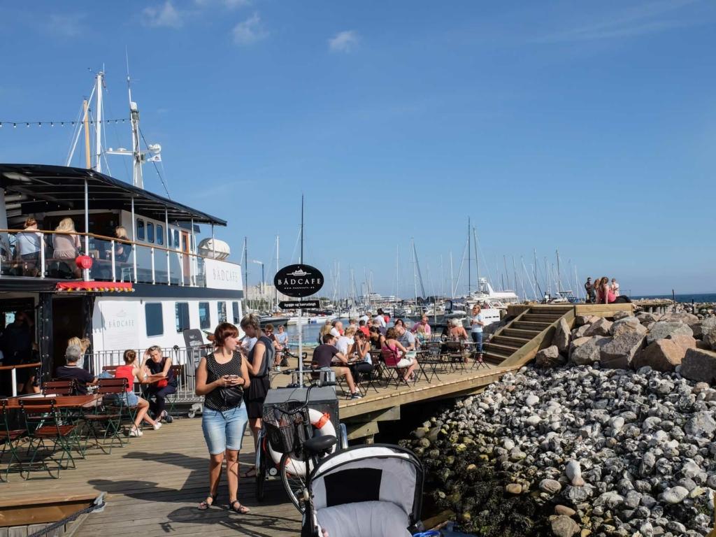Bådcafé på havnen i Aarhus_-3