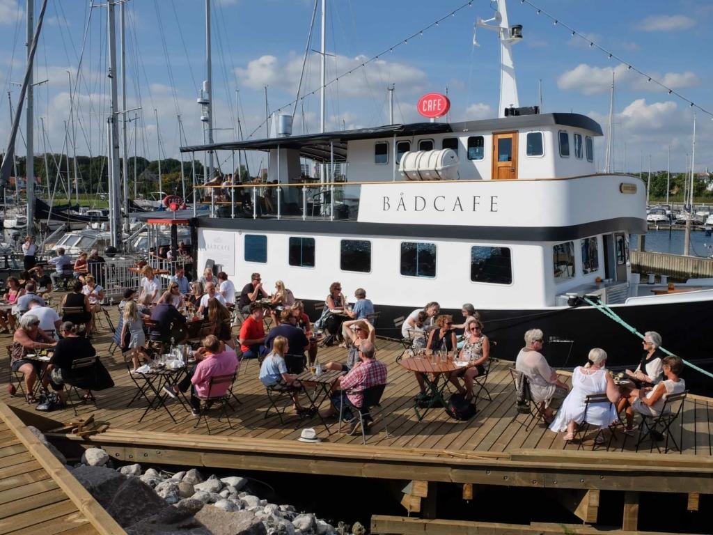 Bådcafé på havnen i Aarhus_-5