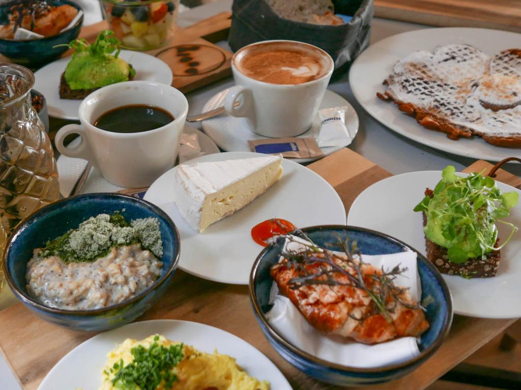 Morgenmad på Café Åland