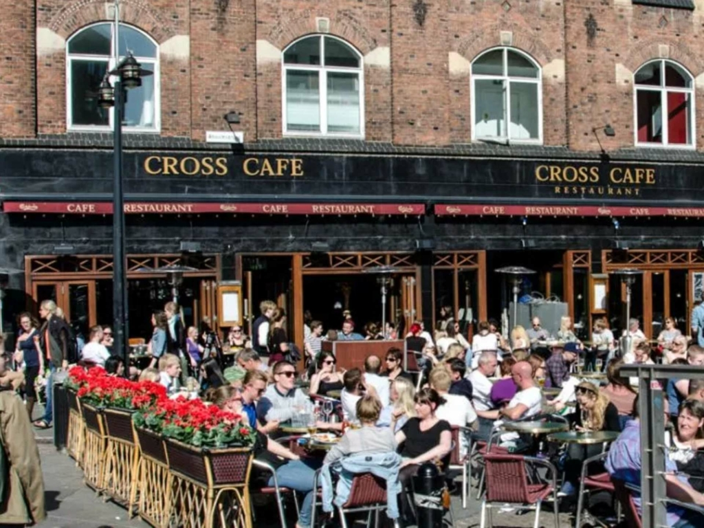 Cross Café ved åen i Aarhus
