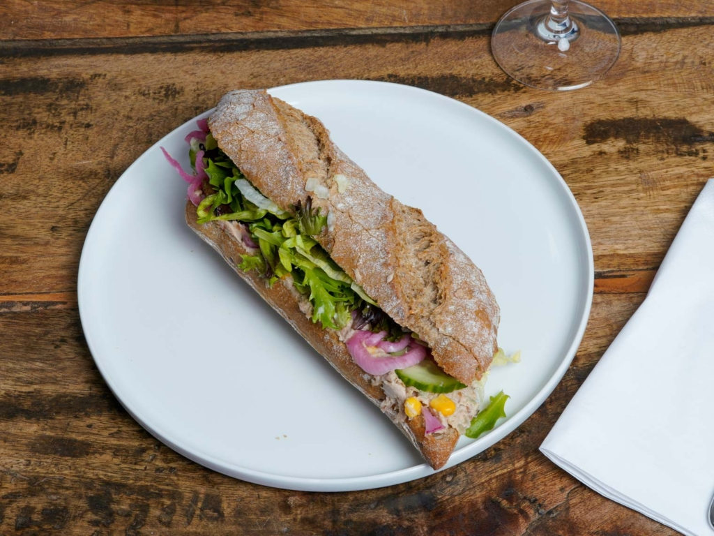 Dee Dee's Sandwich_-5