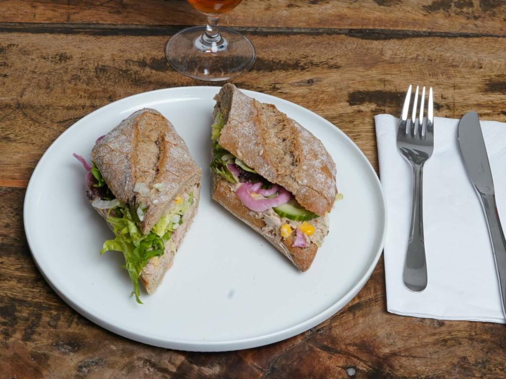 Dee Dee's Sandwich_-8