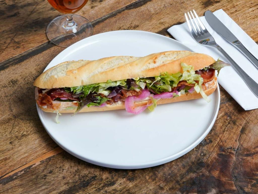 Klassisk sandwich hos Dee Dee's Sandwich