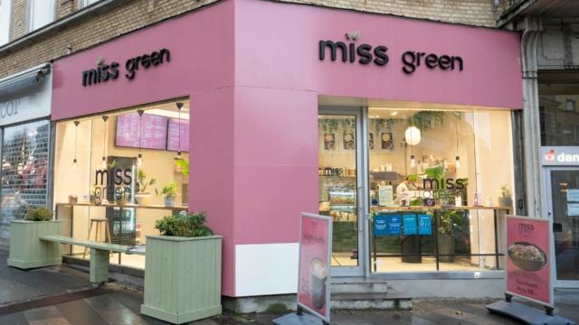 Miss Green-8