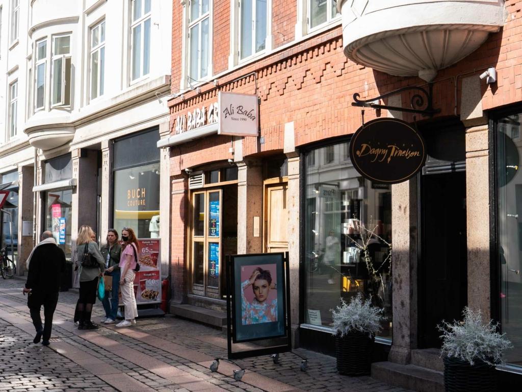 Ali Baba i Vestergade i Århus set udefra