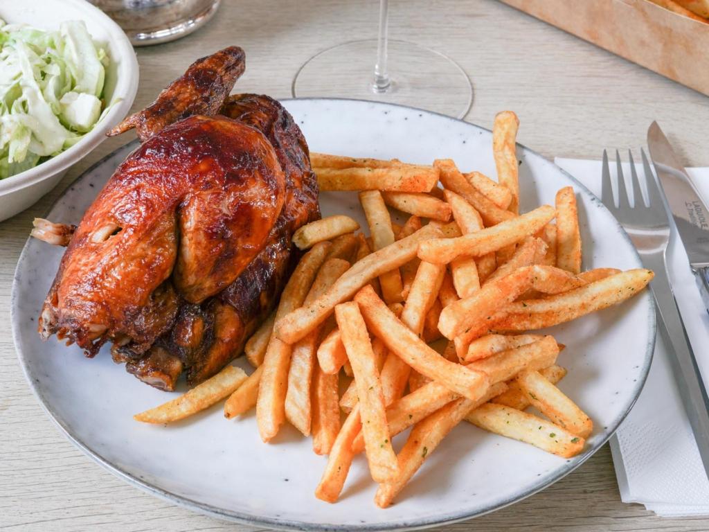 En grillet kylling fra Chicken King & Juice