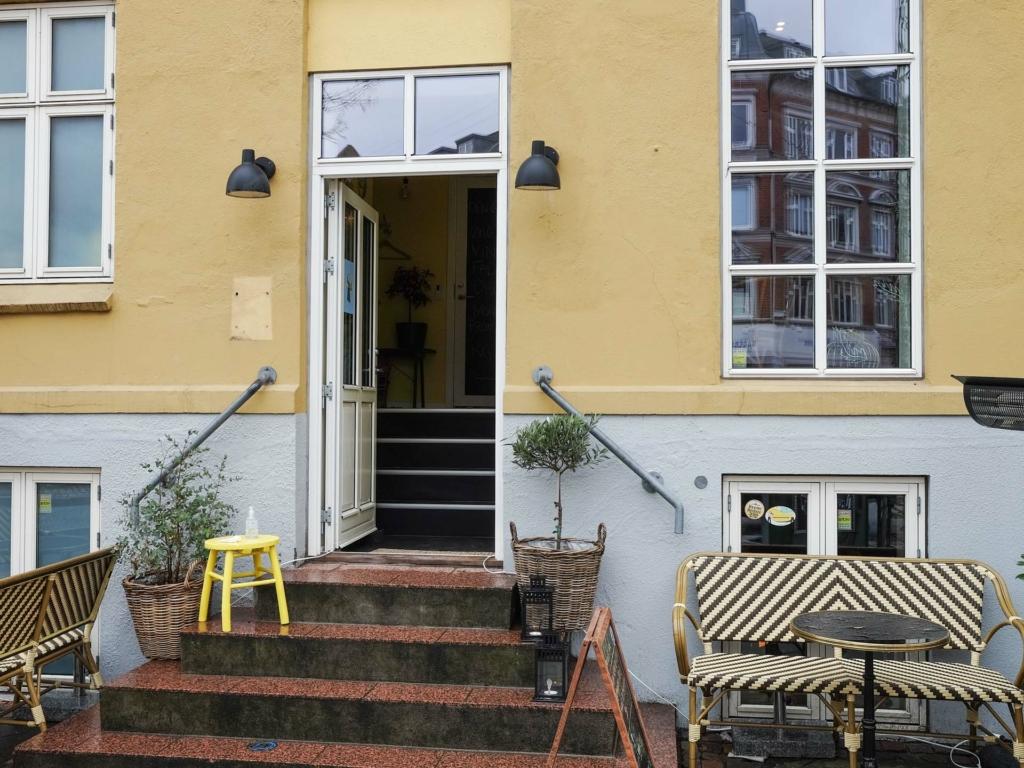 Den Gule Café