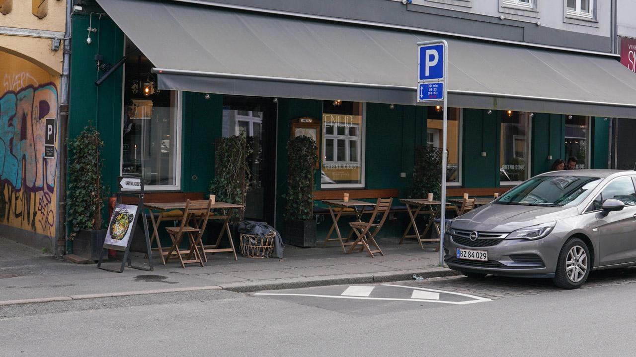 Den grønne café, Greenilicious, set udefra Jægergårdsgade