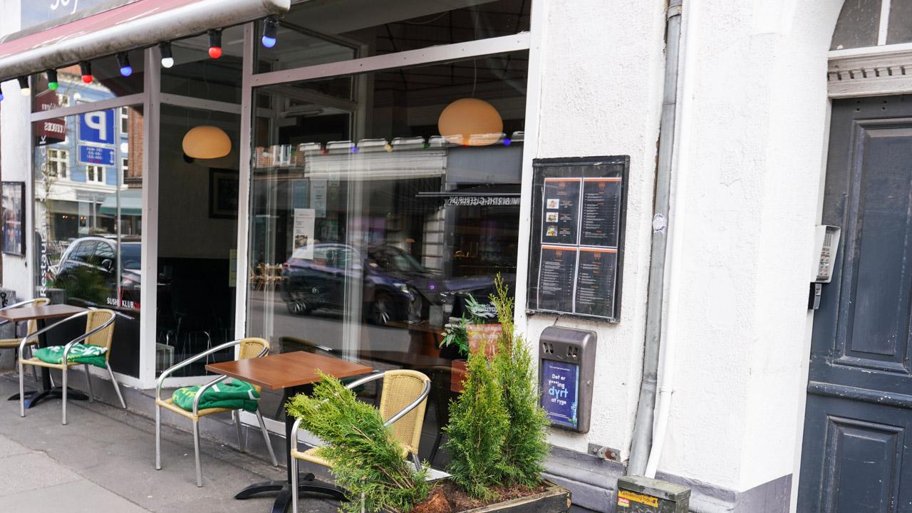 Restaurant Soya i Jægergårdsgade set udefra gaden