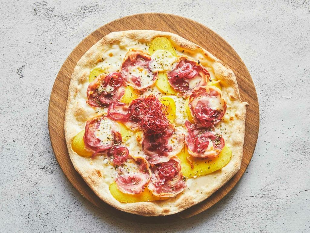 Pizza hos Café Nero overfor Aarhus Domkirke
