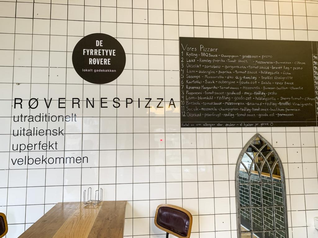 De Fyrretyve Røvere - Frederiksbjerg Torv-5