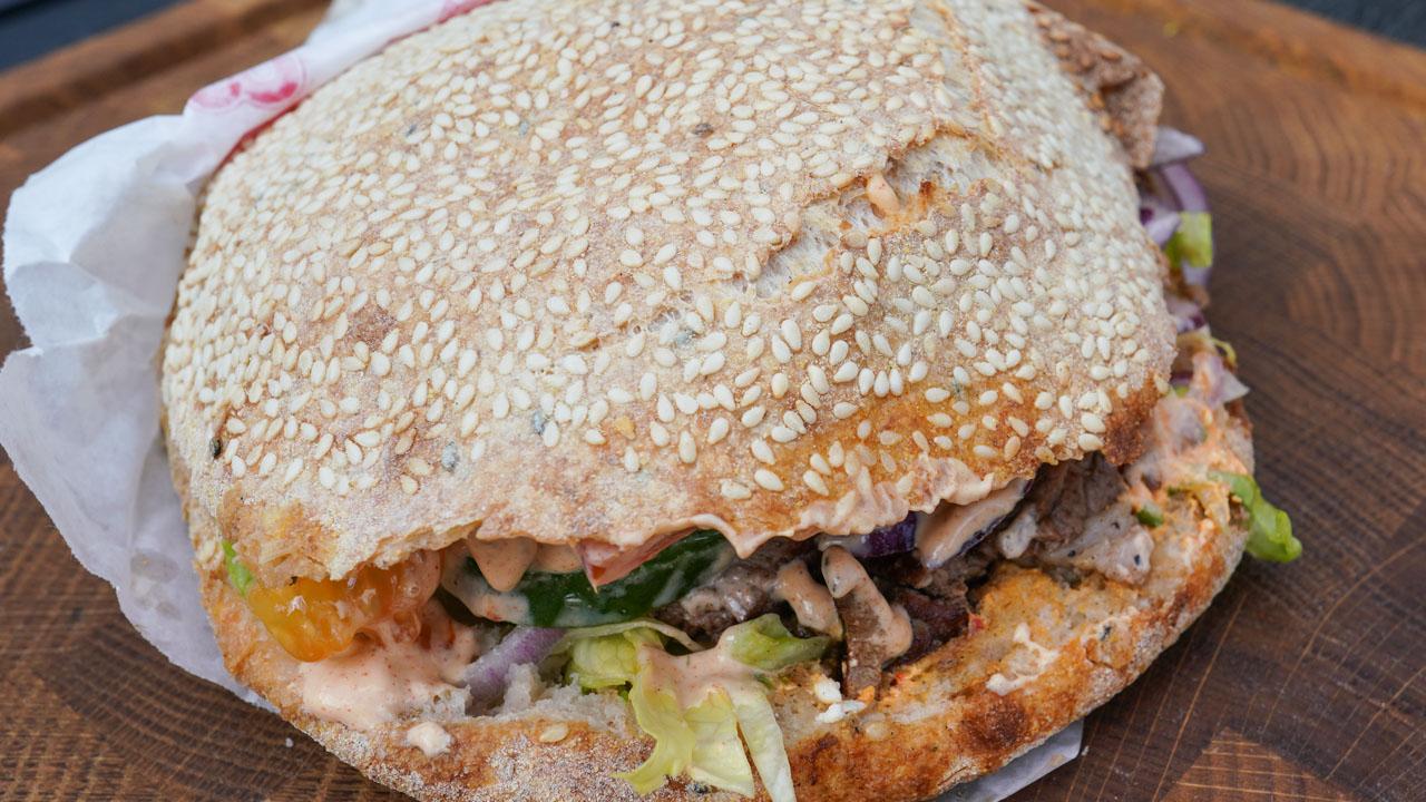 Pita fra Pita & Burger Master ved Hasle Torv