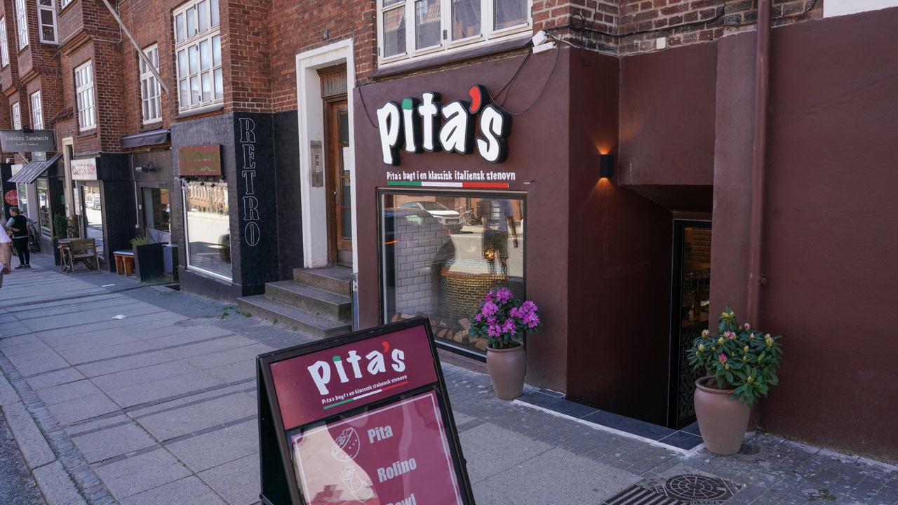 Pita's på Trøjborg set udefra gaden