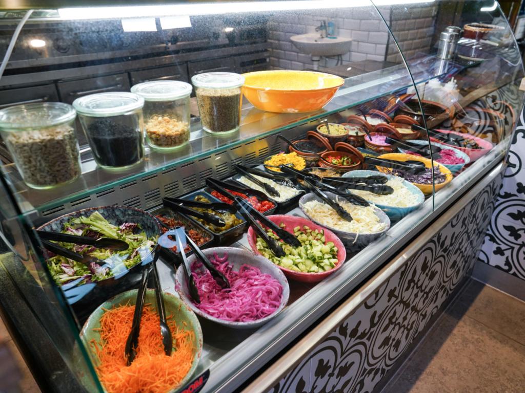 Salatbaren hos Pita's på Trøjborg
