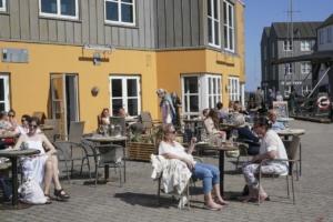 Surf Café på Marselisborg Havn en sommerdag i 2021