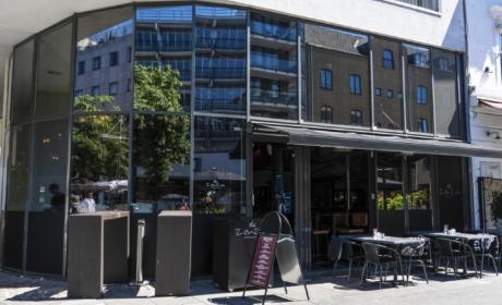 ZenZa - Restaurant og Nightlife set fra åen af
